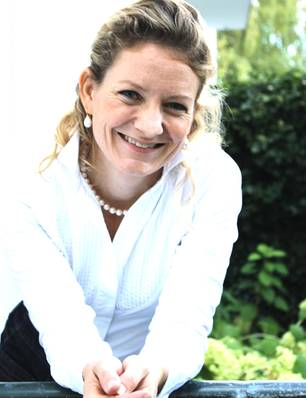 Denise Longe: Redenschreiberin