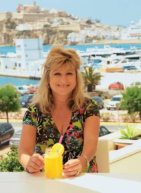 Autorin Nicole Schmidt fühlte sich auf Ibiza noch mal fast wie Anfang 20.