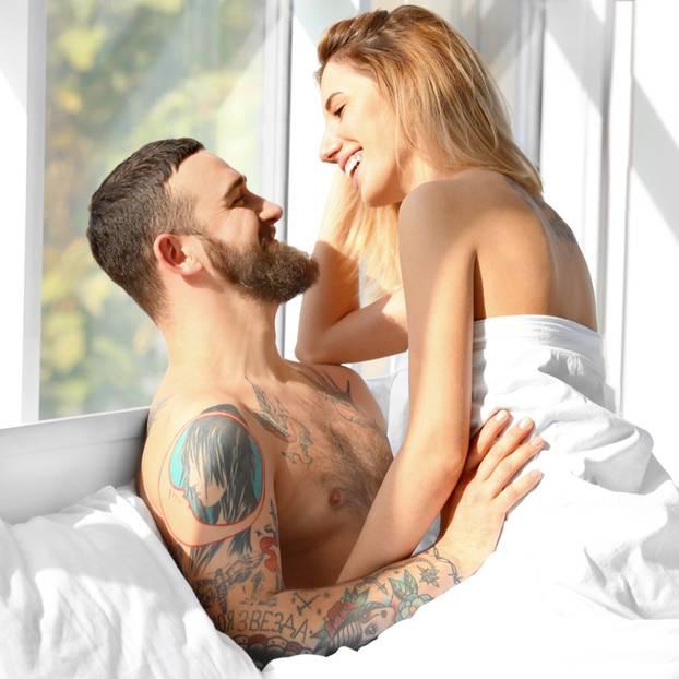Wann ist eine Frau gut im Bett: Paar hat Sex