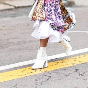Lena Terlutter trägt sie auch: weiße Stiefel
