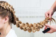 Flechtfrisuren – toller Trick bei dicken langen Haaren