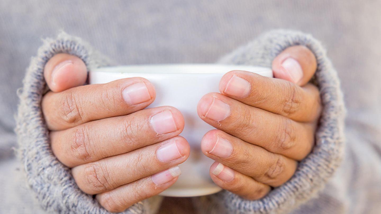 Kalte Hände: Ursachen und was dagegen hilft   BRIGITTE.de