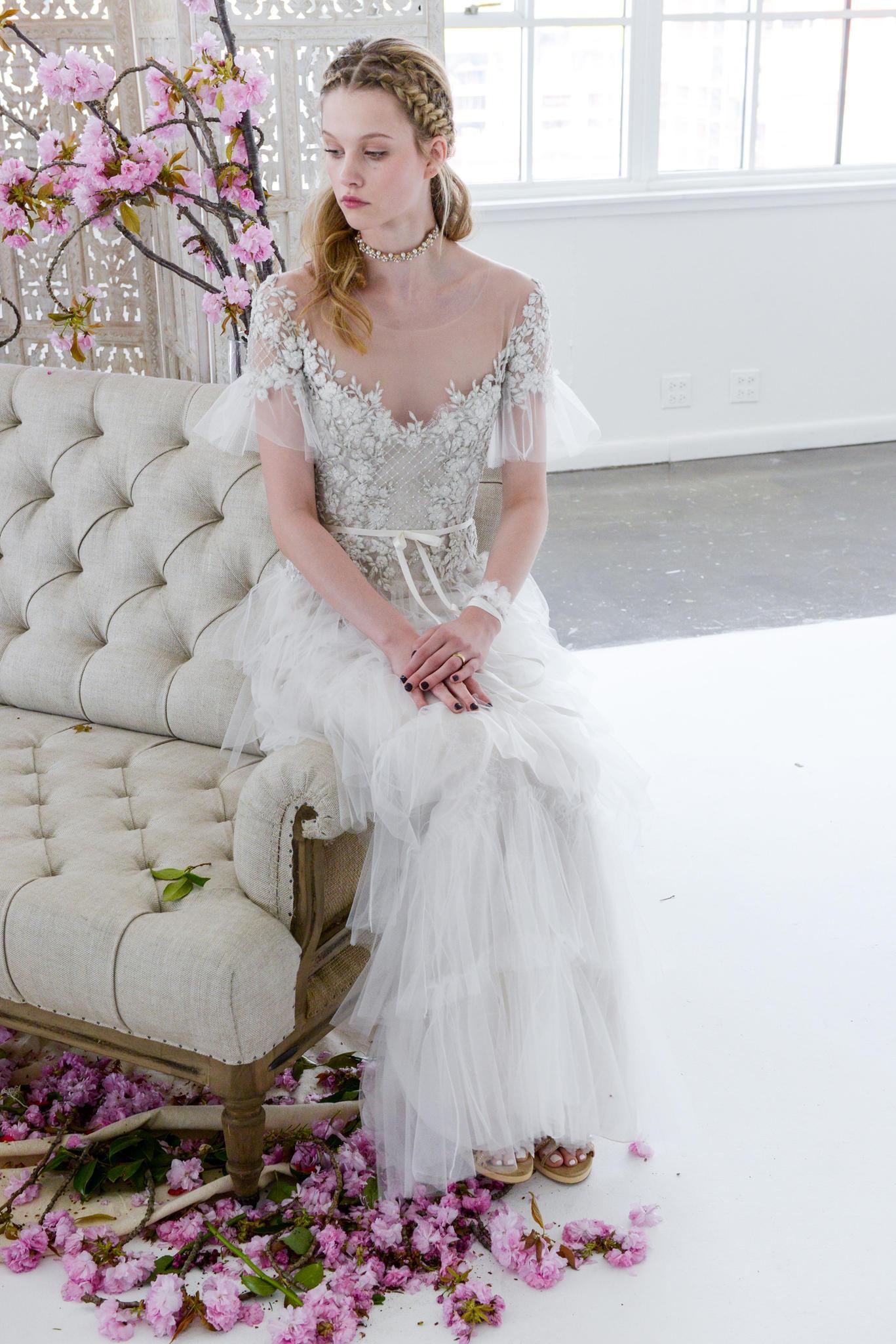 Brautfrisur für lange, wellige Haare
