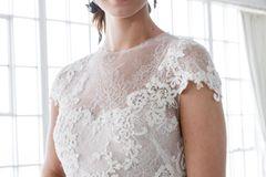 Brautfrisur für schulterlange Haare