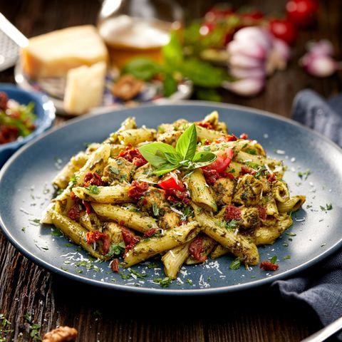 20-Minuten-Rezept für Limetten-Pesto-Penne