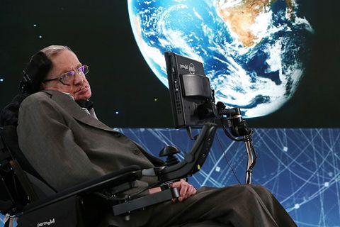 Stephen Hawking mahnte: Menschen können nur noch 100 Jahre auf der Erde leben!