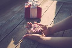 Herz-Lollies zum Muttertag: Tolle Geschenkidee