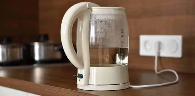 Wasser im Wasserkocher lassen - geht das?