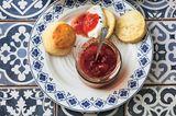 Die Briten reichen's zur Tea-Time - wir könnten das Gebäck mit Aufstrich ständig essen