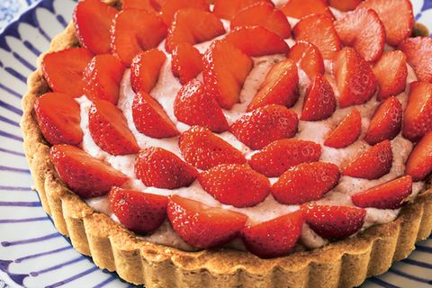 erdbeer-tarte-mit-rhabarbercreme