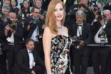 Jessica Chastain in einem trägerlosen Kleid in Cannes