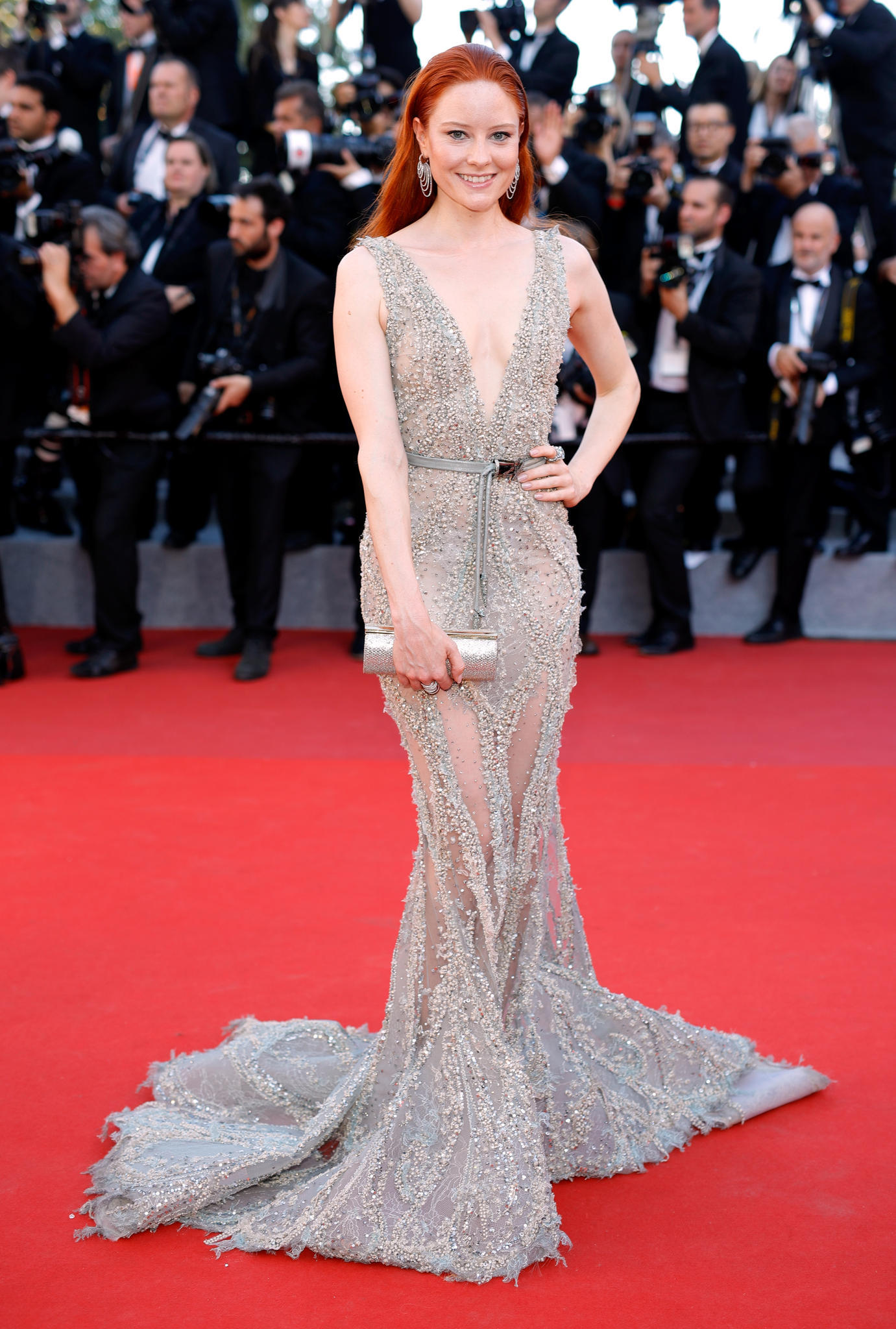 Barbara Meier in einem funkelnden Kleid in Cannes