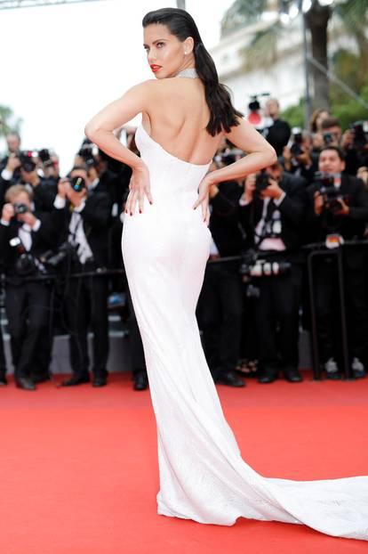 Adriana Lima auf dem roten Teppich in Cannes 2017