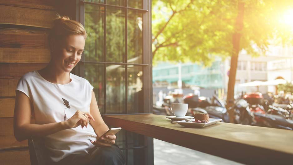 Schutzhülle für dein Smartphone selberbacken - so einfach geht's!