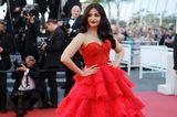 Aishwarya Rai in einem atemberaubenden roten Kleid