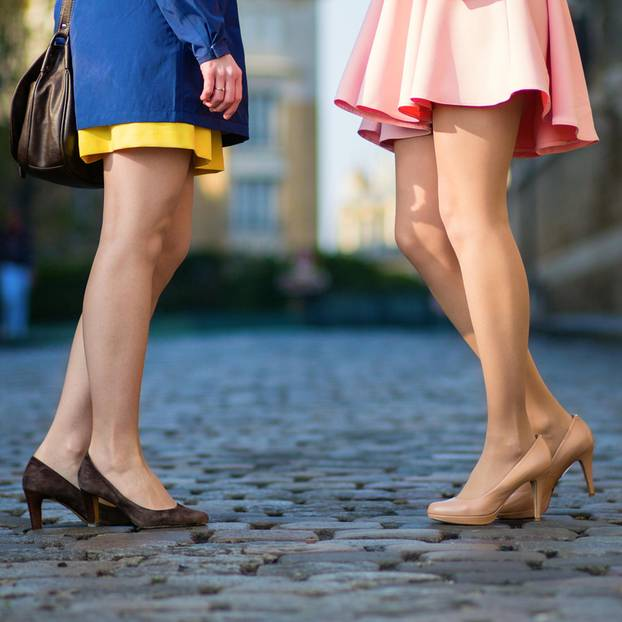Smalltalk-Sätze: Zwei Frauen auf der Straße