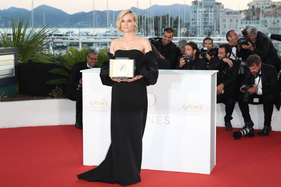 Diane Kruger in einem trägerlosen Kleid in Cannes 2017