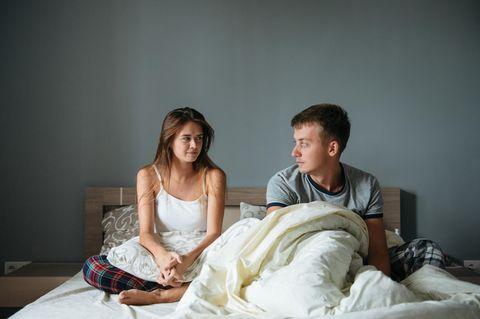 Einrichtungs-No-Gos im Schlafzimmer - DAS törnt jeden Mann direkt ab!