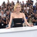 Diane Kruger zeigt ihren Cannes-Look in einem Crop Top und einem Faltenrock
