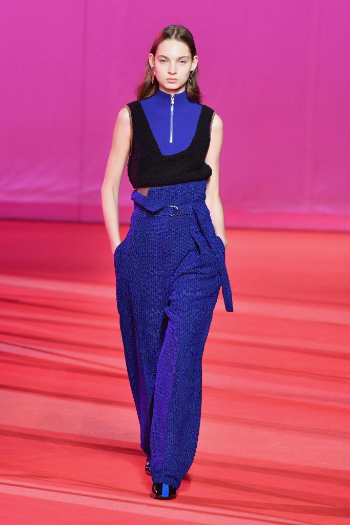 Paperbag-Waist-Hosen sind auch auf dem Laufsteg von Phillip Lim zu sehen
