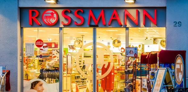 Rossmann-Rückruf: Tee mit giftigen Inhaltsstoffen