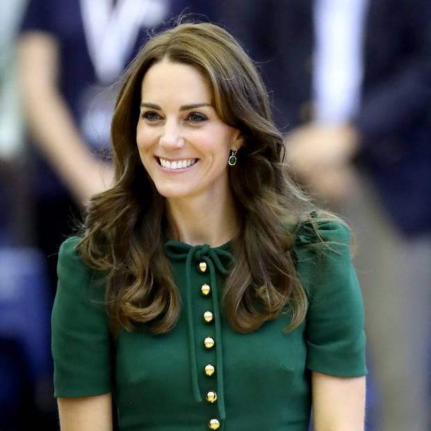 Kate Middleton In Diesem Outfit Sah Sie Prinz William Zum Ersten