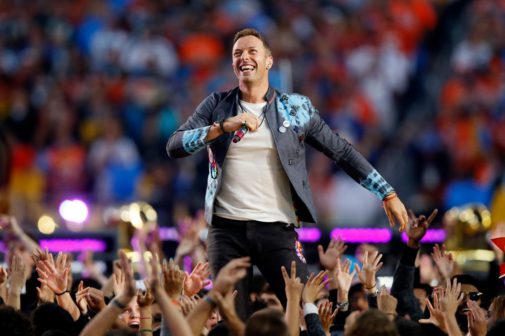 Die Band Coldplay lebt nicht nur für die Bühne, sie könnte sich auch locker jede Bühne kaufen. Mit 88 Millionen Dollar mehr auf dem Konto sind die vier Jungs jetzt jedenfalls stinkreich.