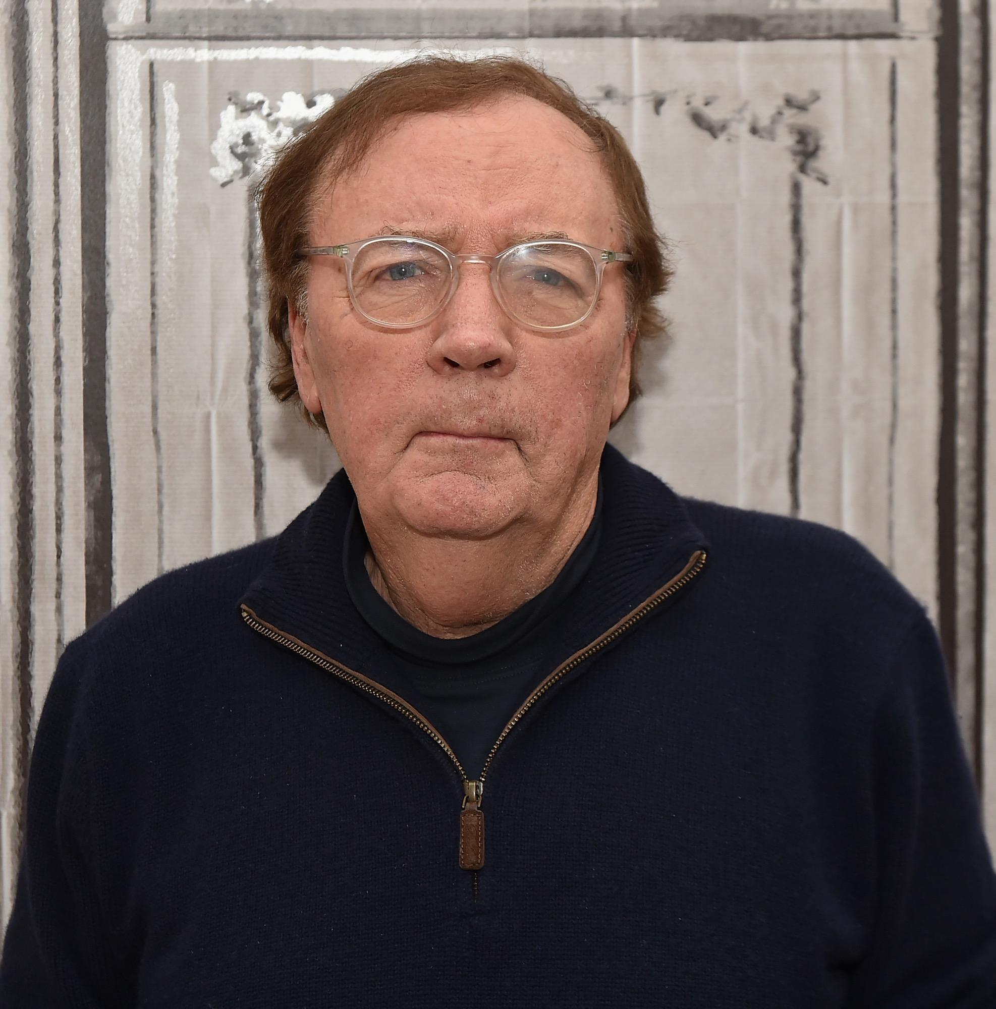 Krimi-Autor James Patterson (Alex-Cross-Reihe – noch Fragen?) muss sich auch keine Sorge um seine Rente machen. Dank seiner nervenaufreibenden Thriller ist er jetzt nämlich um 87 Millionen Dollar reicher.
