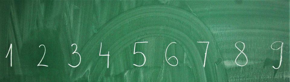 Suche dir eine Zahl aus, beantworte 6 Fragen und wir sagen dir, wie alt du bist
