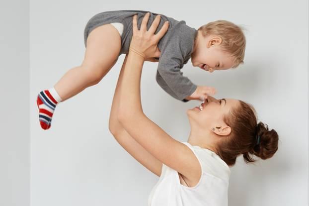Kind hochheben