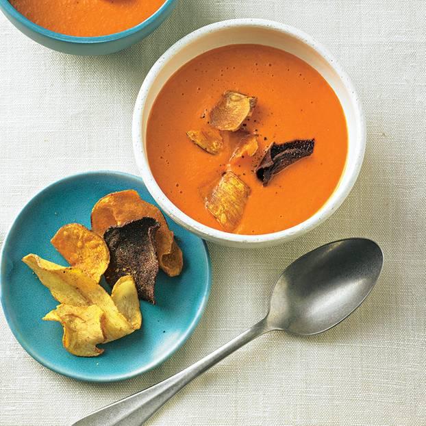 Tomatencremesuppe mit Gemüse-Chips