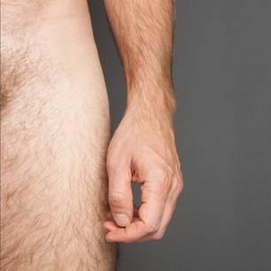 Penis-Fotos: Nackter Mann