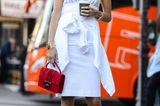 Weiße Kleider: sporty style