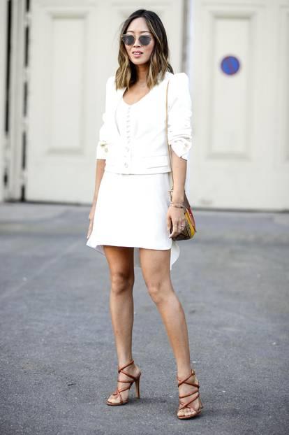 Weiße Kleider: elegant mit passendem Blazer