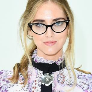 Make-up für Brillenträgerinnen: definierte Augenbrauen