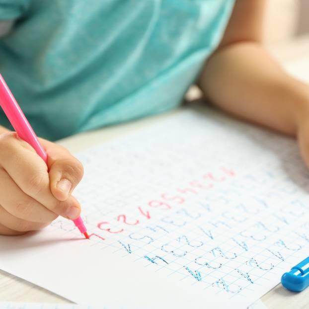 Linkshänder nicht nur kreativer sondern verhältnismäßig auch noch besser in Mathe