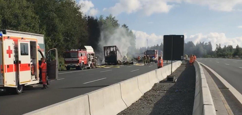 Schrecklicher Unfall auf der Autobahn fordert 18 Todesopfer