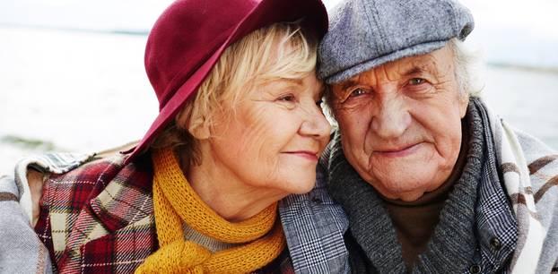 Zusammen alt werden: Älteres Paar
