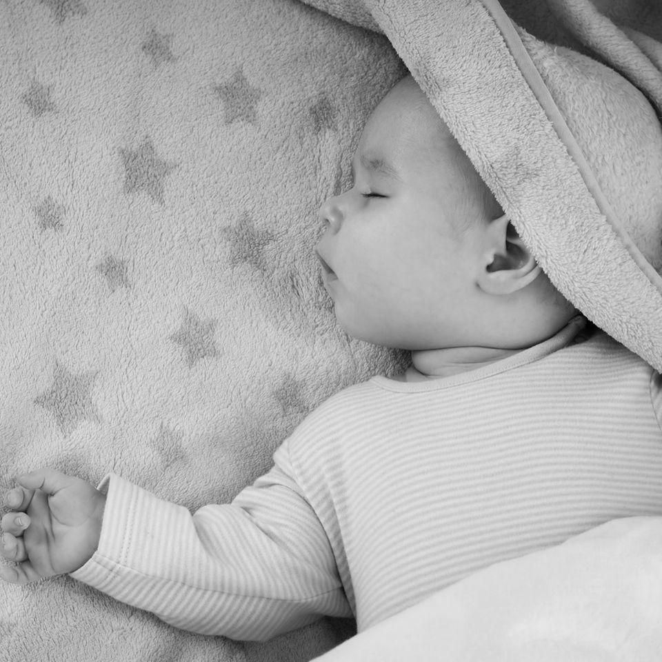 Erstickt im Babybett: Trauernde Mutter appelliert an alle Eltern