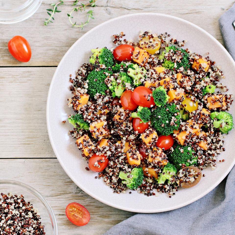 Quinoa mit geschmorten Möhren   BRIGITTE.de