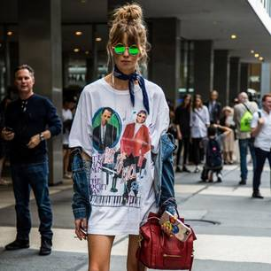 Streetlook Frau mit Bandana-Tuch in New York