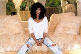 Cher trägt Jeans