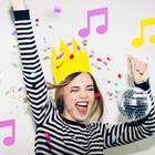 Nr.1-Hit am Geburtstag: Frau tanzt
