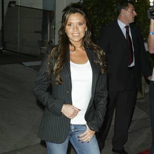 Victoria Beckham trägt Schlaghose