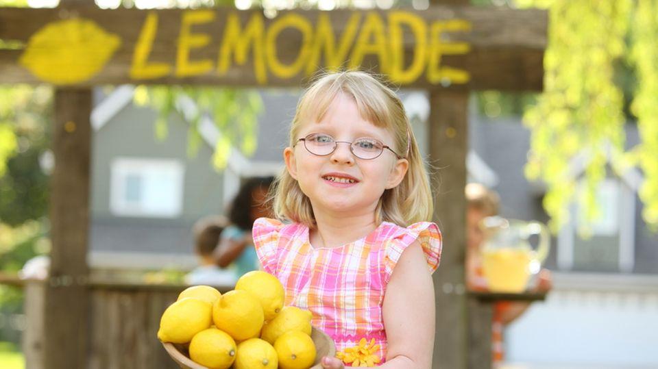 Fünfjährige verkauft Limonade - Bußgeld