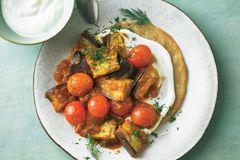 Buchweizen-Pfannkuchen mit Auberginen-Curry