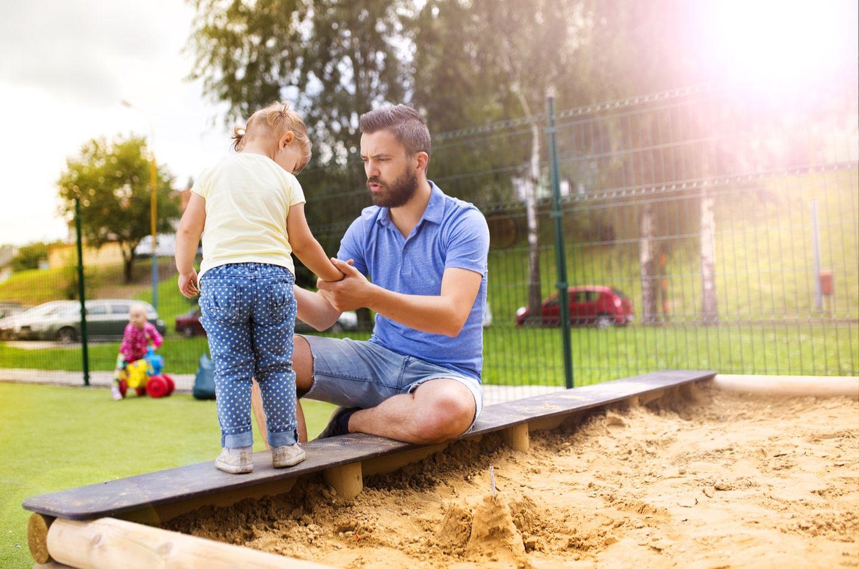 Klugscheißer-Väter: Hackt nicht auch noch auf Müttern rum!
