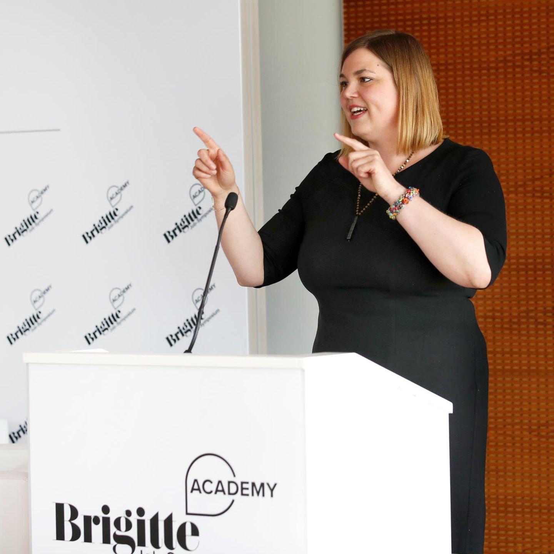 Hamburgs zweite Bürgermeisterin und Schirmherrin des Symposiums, Katharina Fegebank, hielt eine Eröffnungsrede und machte den Frauen Mut!