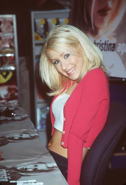 Christina Aguilera trägt weißen Lidschatten