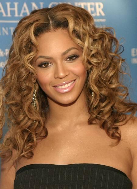Beyonce trägt glossy Lippen